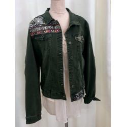 Veste en jean à broderies et séquins