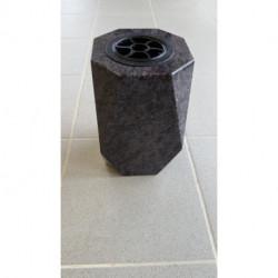 Vase funéraire en granit